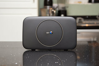 BT Complete Wi-Fi Smart Hub 2 and Wi-Fi Disc image 2