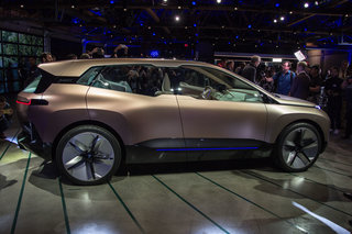 BMW Vision iNext showcases BMWs 2021 autonomous electric SUV image 5