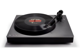 Cambridge Audios Alva TT turntable has aptX HD Bluetooth audio image 2