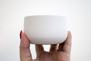 O Nest Guard no sistema de alarme do Nest agora funciona como um Google Home Mini