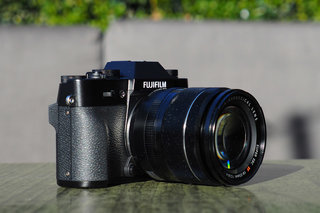 Fujiiflm X-T30 mirrorless camera uses retro looks to get you hooked