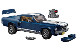Now Legos Creator Expert series gives us a super Ford Mustang image 4