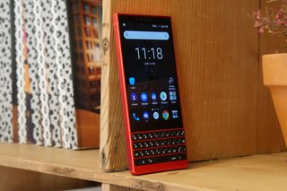 BlackBerry Key2 Red image 11
