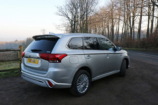 Mitsubishi Outlander PHEV review image 2