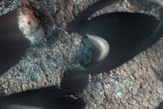 Staggering Images Of Mars Like Youve Never Seen Before image 10