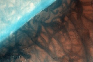 Staggering Images Of Mars Like Youve Never Seen Before image 16