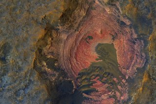Staggering Images Of Mars Like Youve Never Seen Before image 22