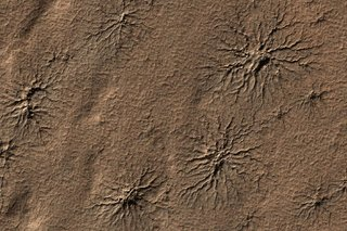 Staggering Images Of Mars Like Youve Never Seen Before image 3