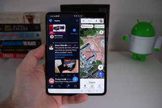 Galaxy fold full review image 24