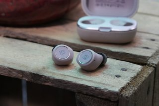 BeoPlay E8 2 review image 1