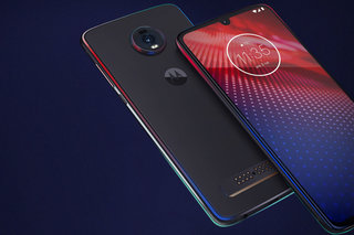 Moto Z4 desperately wants to be your mid-range 5G phone
