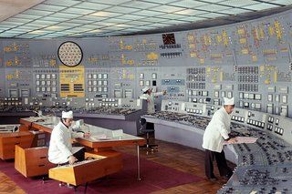 Satisfying photos of classic control rooms that once ran the world image 2