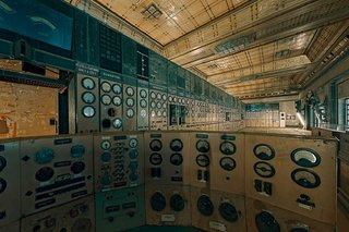 Satisfying Photos Of Classic Control Rooms That Once Ran The World image 5
