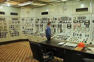 Satisfying Photos Of Classic Control Rooms That Once Ran The World image 8