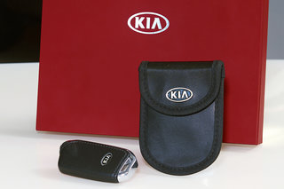Kia made a little Faraday cage for electronic keys to protect them from thieves image 2