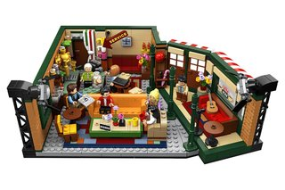 This is Legos Friends-themed set of the Central Perk coffee house image 3