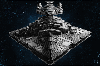 UCS Lego Star Wars Imperial Star Destroyer is very big and very grey image 3
