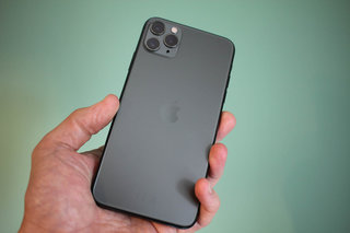 iPhone 11 pro max review product shots image 10
