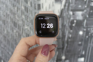 Fitbit Versa 2 smartwatch review image 2