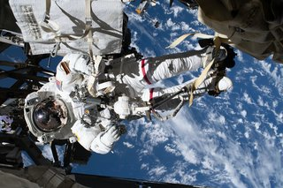 15 incredible photographs from the International Space Station