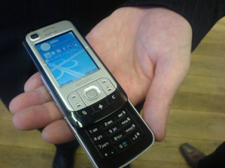 Nokia 6110 Navigator mobile phone - FIRST LOOK