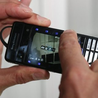 Sony Ericsson Cyber-shot C902 - First Look