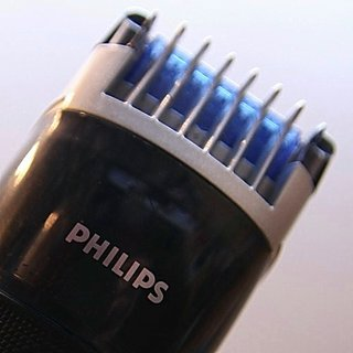 Philips QT4045 vacuum trimmer