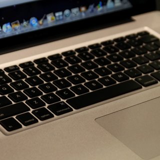 Apple 17-inch MacBook Pro notebook - First Look