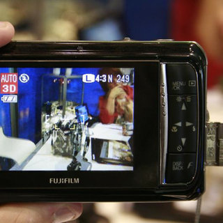 Fujifilm FinePix Real 3D W1 digital camera - First Look