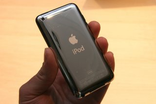First Look: Apple iPod touch 4G