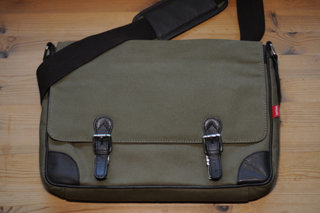 Toffee messenger satchel