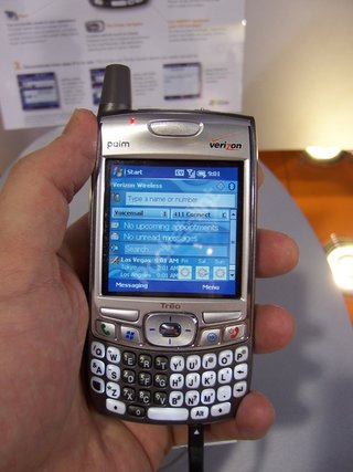CES 2006: Palm breaks convention and opt for Windows to Power Treo 700w