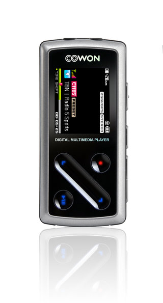 New Cowan iAudio D1 is world's smallest DAB radio and MP3 player