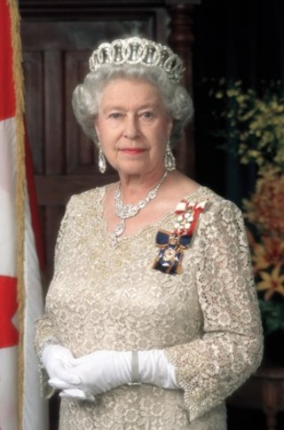 Queen embraces Podcast for Christmas speech