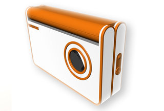 FLAPcam takes the digital camera clamshell