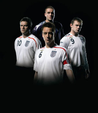 England fans complain about new Umbro kit