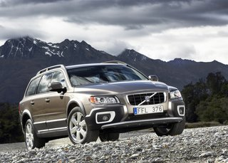 Volvo pimps the XC70