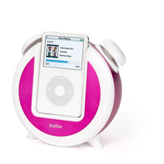Retro iPod Alarm Clock adds a touch of old-school to your iPod