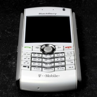 T-Mobile launch its white BlackBerry