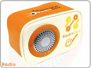 Semk's Radiobox -  an FM radio made out of bean-bags