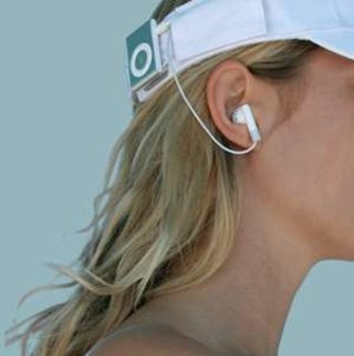 iXoundWear - wire-free iPod-loving headwear