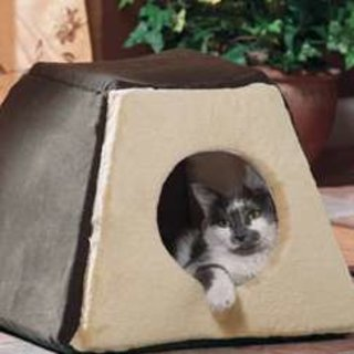 Thermo Kitty Cabin - heated cat pyramid bed