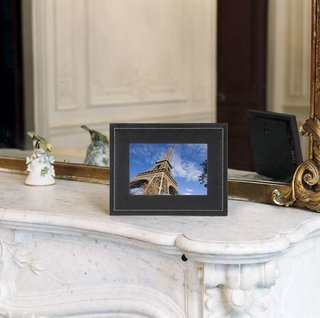 Parrot DF7700, the world's first MMS digital picture frame
