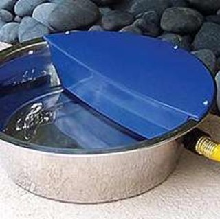 Automatically refilling dog water bowl