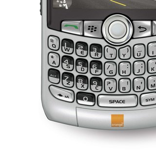 BlackBerry Curve 8320 and Pearl 8120 launch on Orange