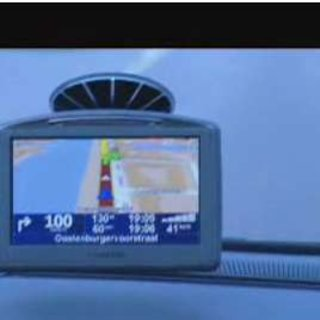 TomTom teams up with Google Maps