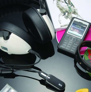 Bluetrek Duo Stereo headset launches