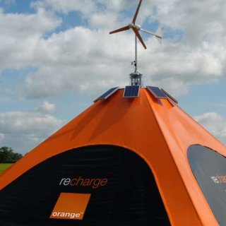 "Orange to show ""recharge Pod"" eco phone charging tent"