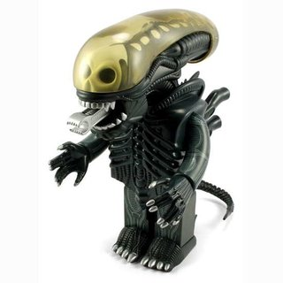 Giant Alien Kubrick available