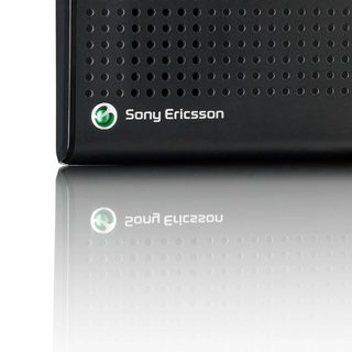 Sony Ericsson HCB-108 Bluetooth speakerphone launches